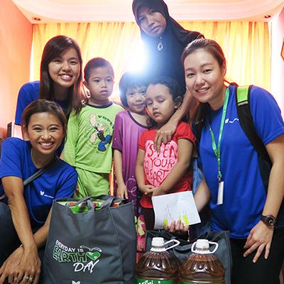 Hari Raya Celebration with Families at Abdullah Hukum Flats